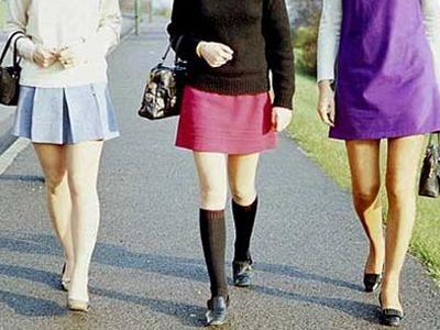 Запрещать носить короткие юбки